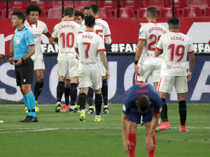 Atletico fell in Seville, the title race opened