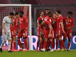 The Bulls stumbled in Cologne, Bayern on two points to
