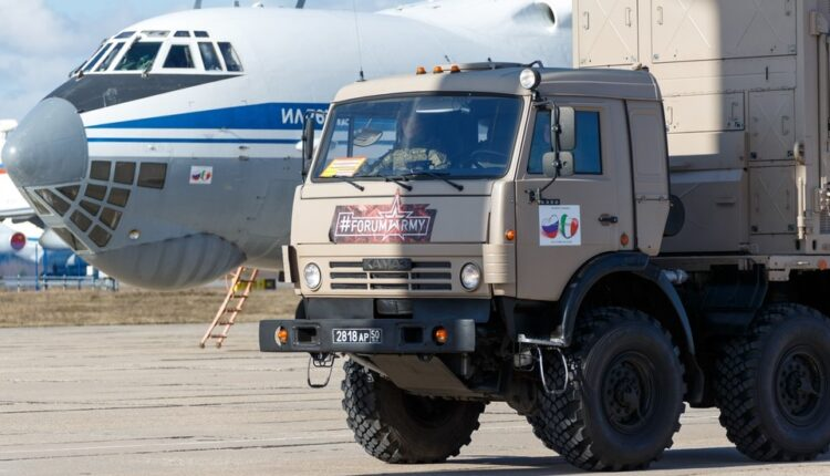Russian military medics arrive in Serbia to assist in Covid-19