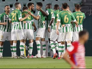 Betis broke Granada and knocked on the door of the