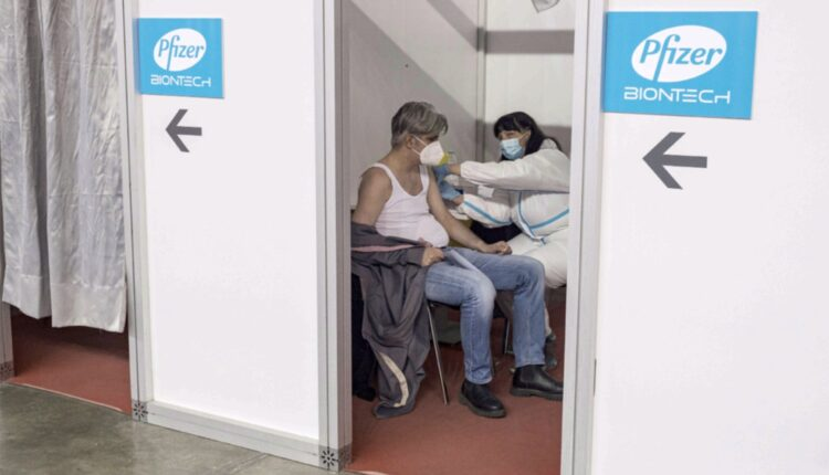 Covid-19: Quarantine-free travel for vaccinated people between UAE, Serbia –