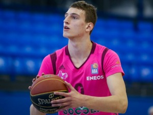 Nikola Jović signed his first professional contract with Meg