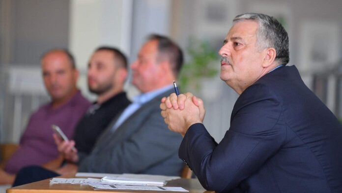 Veliu accuses Abdixhik of dismissal from LDK branch in Podujeva