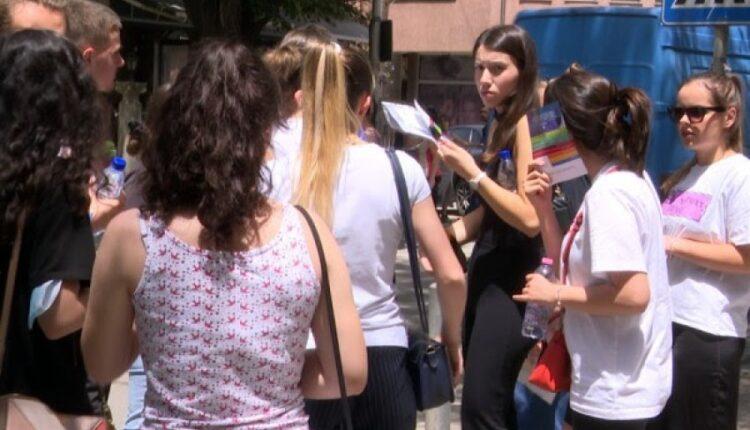 "370 graduates are tested in ""Sami Frashëri"", two of them"
