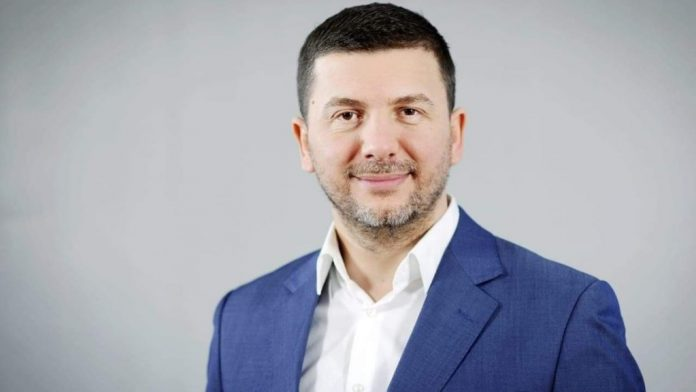 Memli Krasniqi announces the candidacy for the leader of PDK