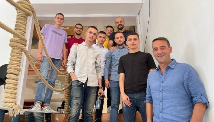 Daut Haradinaj hosts a group of young people: I have