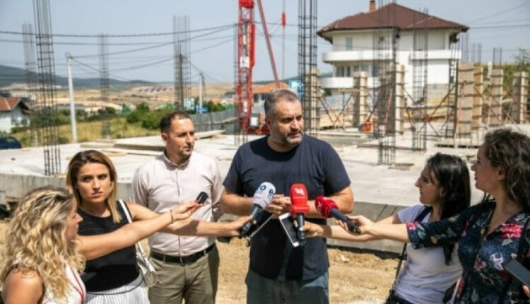 Ahmeti inspects the works of QMF Veternik, the citizen calls