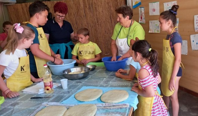 THE KIDS WENT TO THE SUMMER COOKING SCHOOL! From the
