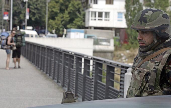 Serbs torch border post in northern Kosovo | Serbia News