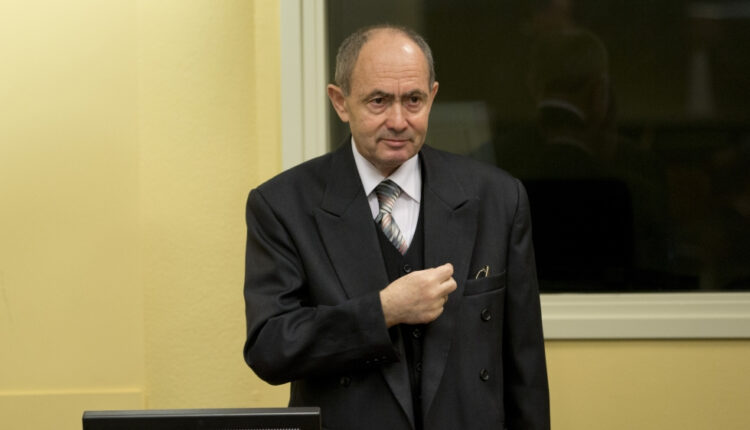Bosnian Serb general convicted of genocide dies in jail |
