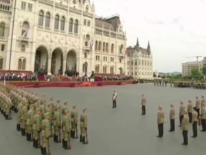 Military parade, fireworks and festival atmosphere – Hungary celebrates the