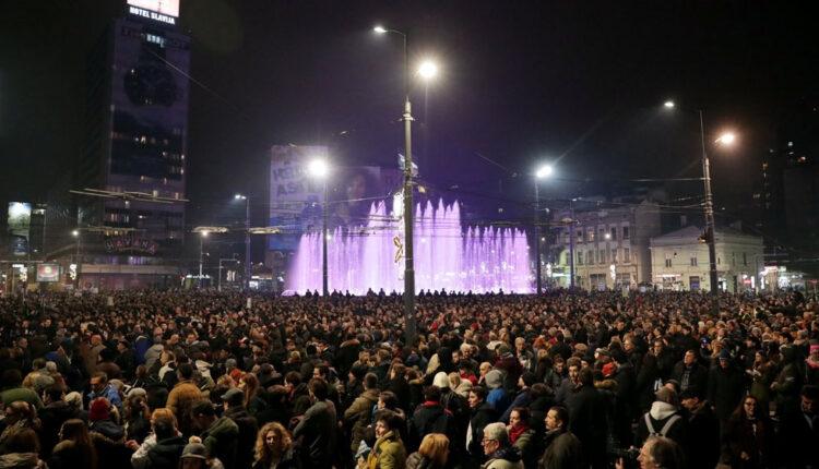 Serbia: Thousands rally against President Aleksandar Vucic | Serbia News