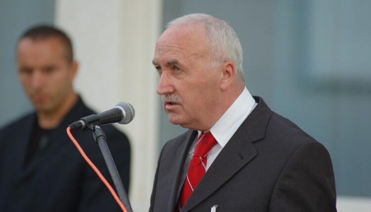 Former Speaker of Parliament Kole Berisha dies – KosovaPress