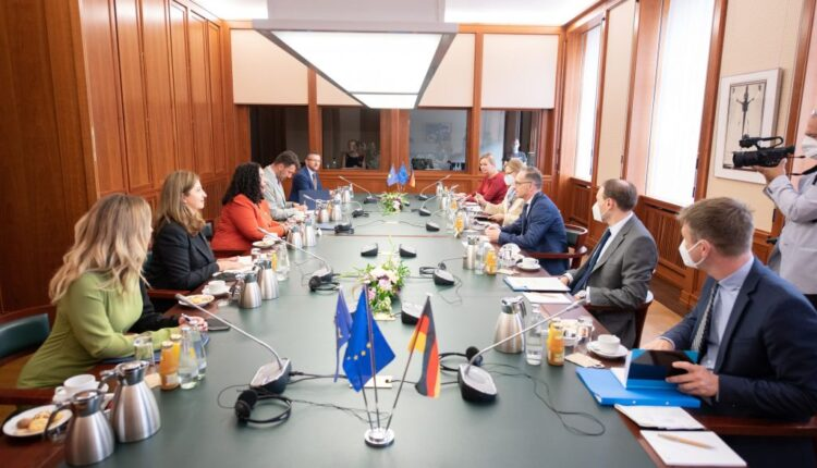 Osmani meets Minister Maas: Dialogue with Serbia to end with