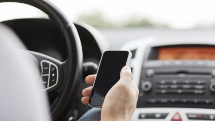 Using the phone while driving, Mitrovica Police fined 195 drivers